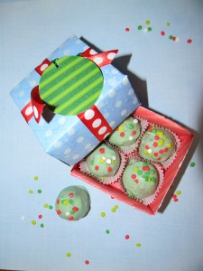 How to make a candy box for homemade grinch truffles