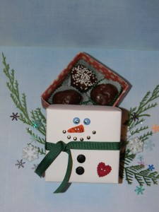 How to Make a Snowman Box