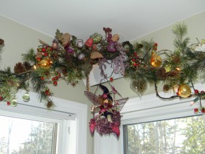 Christmas Decorations, magical fairy garland with crystalized fruit-corner