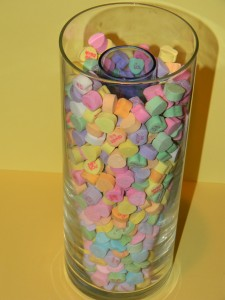 How to make a vase with conversation hearts