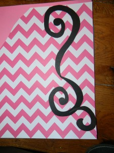 Cupcake scrapbook layout, tracing swirls