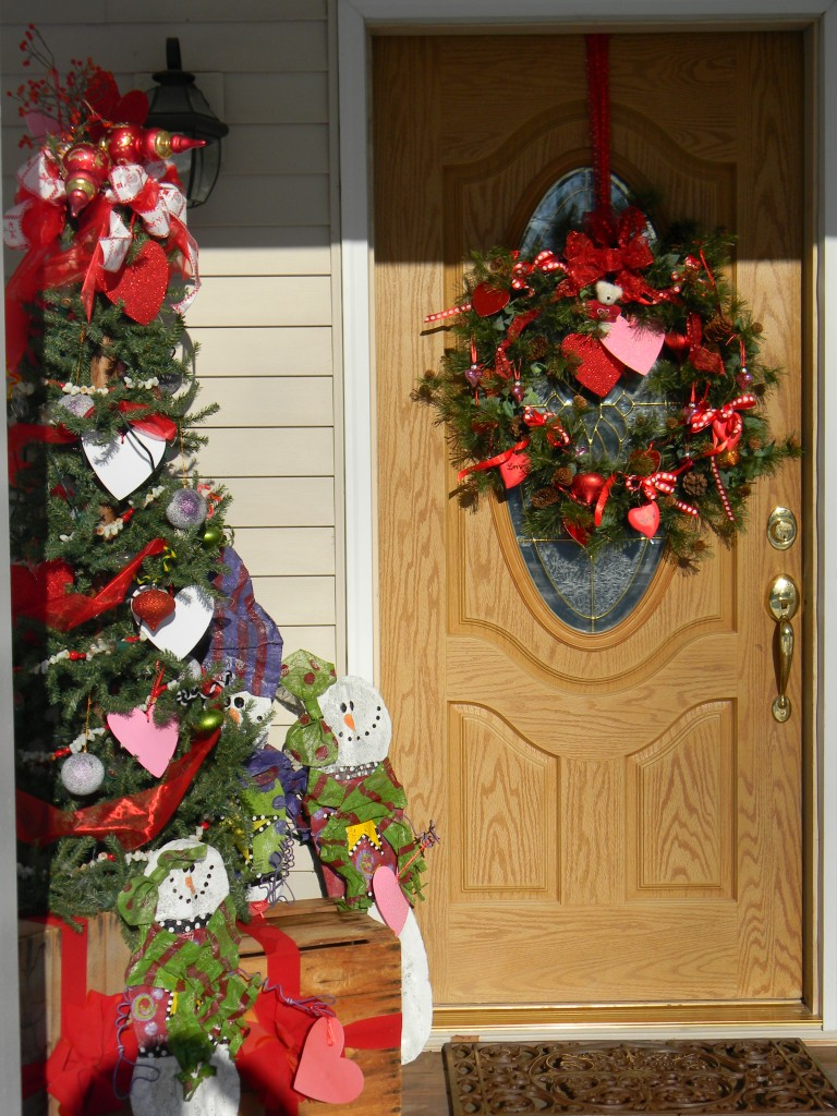 Valentine Decorations, front deck tree and wreath