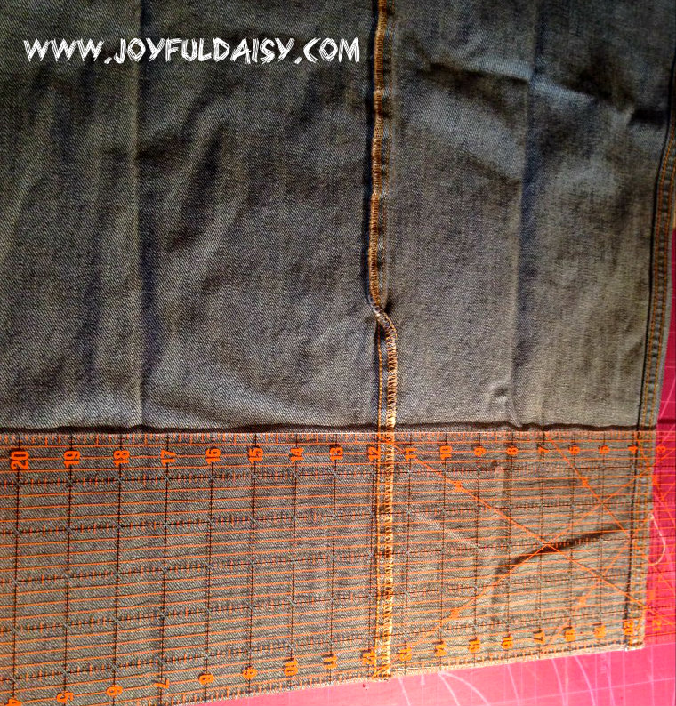 recycled jean quilt, cutting strips