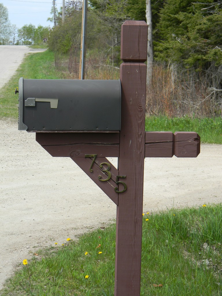before picture mailbox makeover
