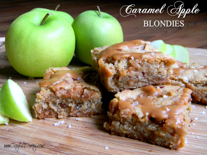 caramel apple blondies with title