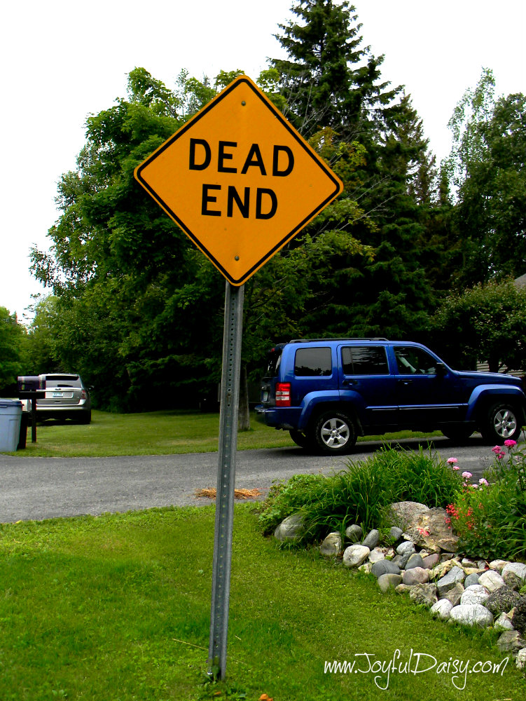 treasure hunt dead end sign