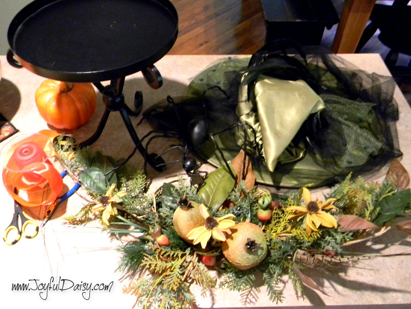 HOW TO MAKE A WITCH HAT CENTERPIECE STEP 1