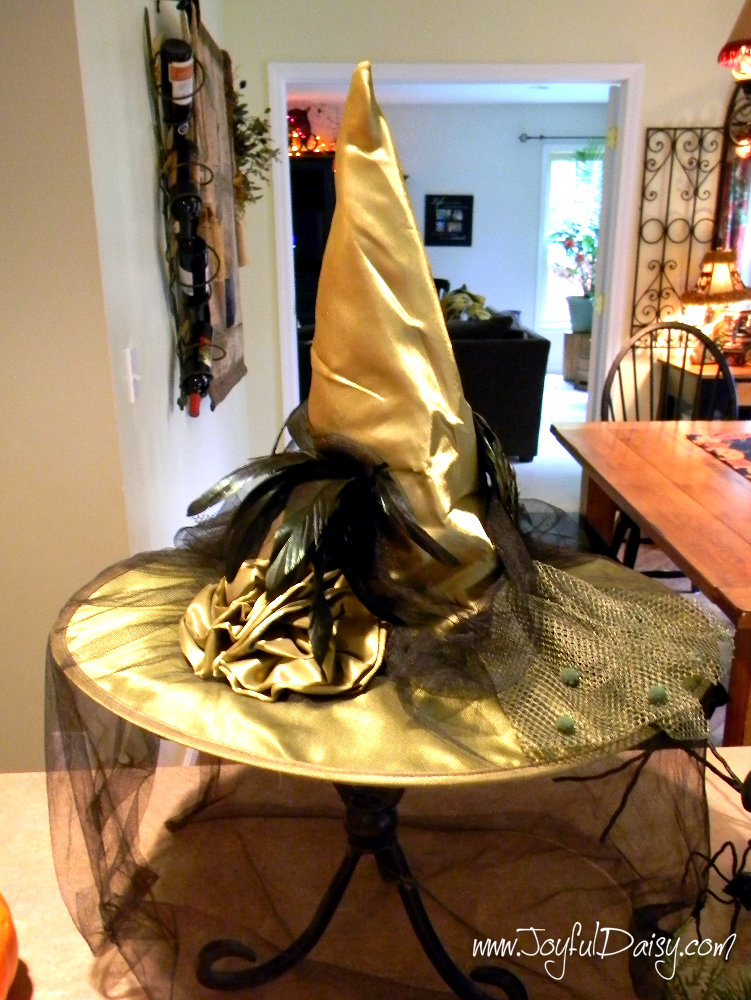HOW TO MAKE A WITCH HAT CENTERPIECE STEP 2