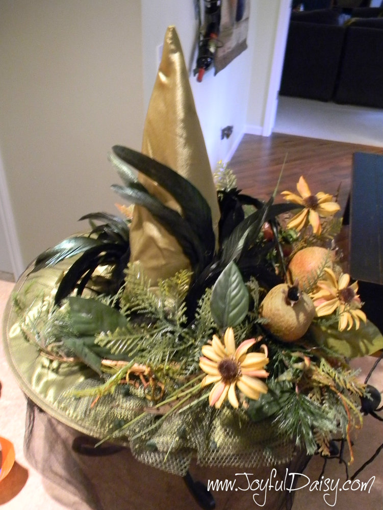 HOW TO MAKE A WITCH HAT CENTERPIECE STEP 3
