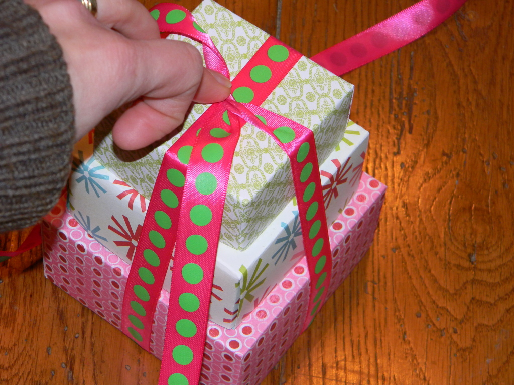 how to wrap presents