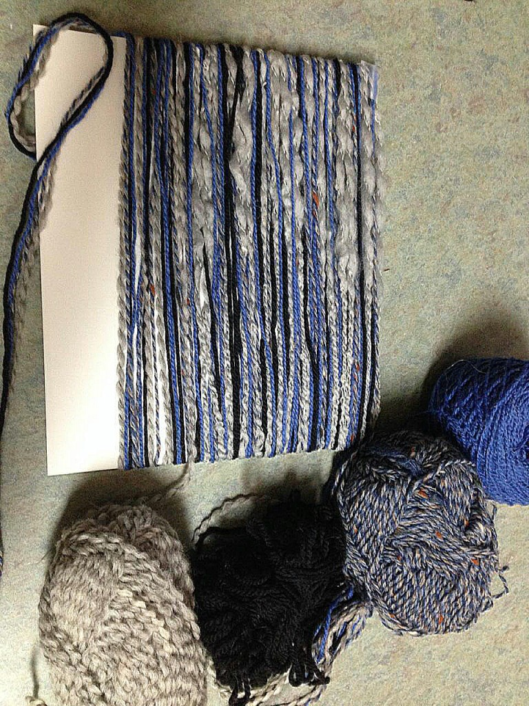 how to wrap yarn to create detroit lions mane