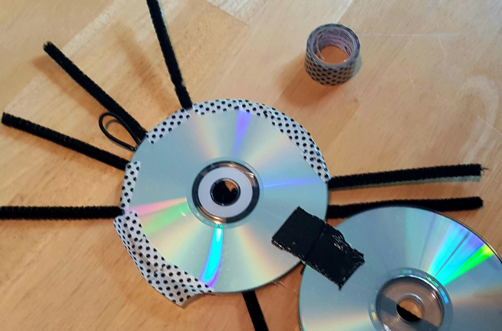 crafts made with CDs or DVDs
