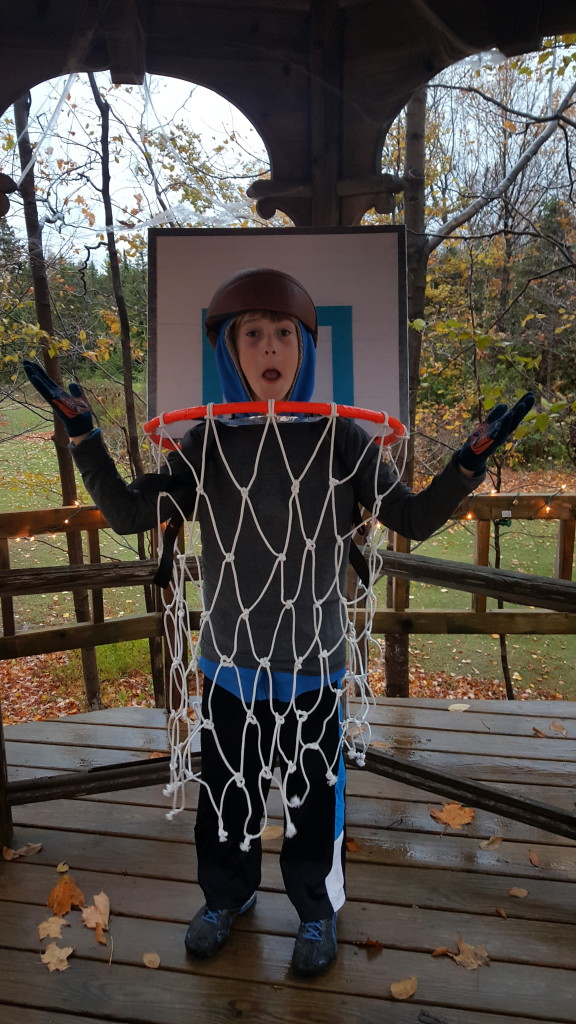 Basketball homemade halloween costume  sc 1 st  joyful daisy & BASKETBALL HOOP HALLOWEEN COSTUME - JOYFUL DAISY